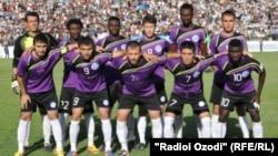 """Тажикстандын чемпионатындагы азыркы эң мыкты команда Куляб шаарынын """"Равшан"""" командасы."""