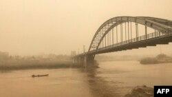 تصویر آرشیوی از میزان گرد و غبار در اهواز.