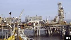اسکله البکر در بندر بصره، از مهمترین اسکلههای صادراتی نفت عراق