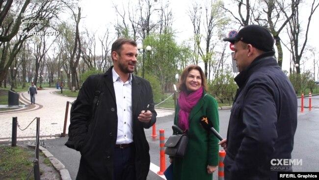 Сергій Бабак та Ірина Венедіктова, за їхніми словами, прийшли в Маріїнський парк, щоб випити кави