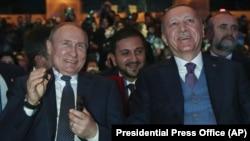 """Владимир Путин и Реджеп Эрдоган на церемонии открытия """"Турецкого потока"""" в Стамбуле. 8 января 2020 года"""