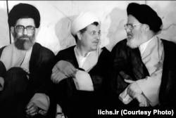 روایت شده آیتالله خمینی این سه چهره را برای رهبری آینده مناسب میدانسته: موسوی اردبیلی، هاشمی رفسنجانی، و علی خامنهای