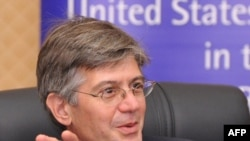 Kyrgyzstan -- US Deputy Secretary of State James Steinberg speaks during a press conference in Bishkek on July 18, 2010
