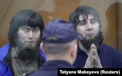 Анзор Губашев та Заур Дадаєв під час засідання суду у Москві. 13 липня 2017 року