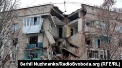 Внаслідок вибуху пошкоджено десятки квартир
