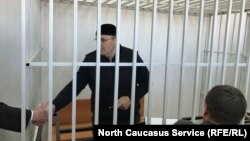Оюб Титиев в суде (архивное фото)