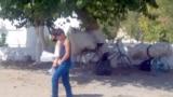 В сельской местности велосипеды используются для перевозки грузов. Туркменистан.
