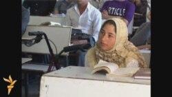 مقعدة تدرس الحقوق في جامعة الموصل