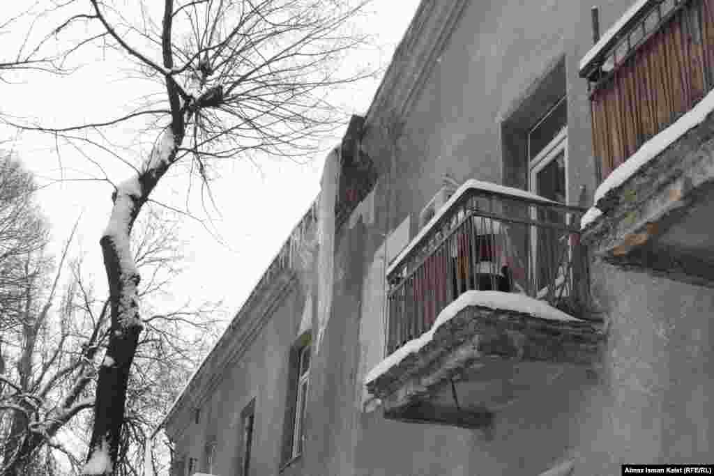 Кыргызстан. В результате зимних холодов в горных районах закрыты школы. Жители некоторых населенных пунктов испытывают постоянные перебои с электричеством.