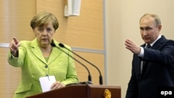 Анґела Меркель і Володимир Путін, Сочі, Росія, 2 травня 2017 року