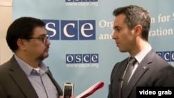 RFE/RL Turkmen Service Director Farruh Yusupov interviewing U.S. Ambassador to the OSCE Daniel Baer