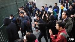 ۱۵۰۰ دانشجوی دانشگاه تهران و علوم پزشکی تهران در بیانیه ای نوشتند: بسیاری از دانشجویان بازداشتی در تجمعات حضور نداشتند و با بهانه پیشگیری بازداشت شدند