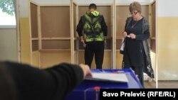 Hoće li biti nekih promjena ili odstupanja od pravila da obično glasaju za kandidata koji predstavlja partiju koju oni podržavaju?