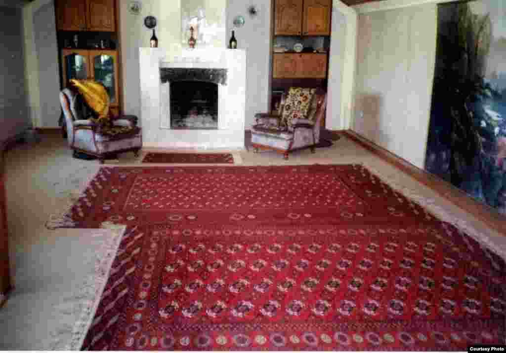 !!PLEASE WRITE A CAPTION IN ENGLISH!! Дом Акмухаммета Байханова в Туркменистане