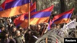 2004-ի ապրիլի 12․ Հայաստանյան ևս մեկ չկայացած հեղափոխության մեկնարկը