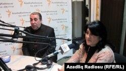 Aktyor Novruz Qartal və aktrisa İlhama Əhmədova, AzadlıqRadiosu-nun Bakı bürosunda, 09Mart2011