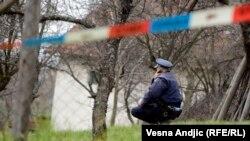 Policija na istražuje mesto zločina u Velikoj Ivanči