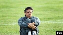 افشین قطبی به صعود ایران به جام جهانی آفریقای جنوبی امیدوار است.