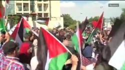 Sukobi demonstranata i policije ispred ambasade