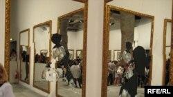 "Michelangelo Pistoleto - ""razbijeno ogledalo"""