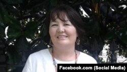 Догдуркүл Кендирбаева.