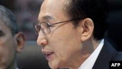 Оңтүстік Корея президенті Ли Мен Бак.
