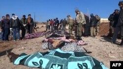 اجساد قربانیان حمله انتحاری روز جمعه در روستای سوسیان