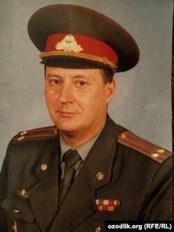 Владимир Калошин вышел в отставку в 2012 году.