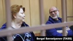 Алексей Малобродский и Нина Масляева в суде