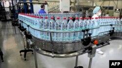 Një fabrikë e ujit në Gjilan. Foto nga arkivi.