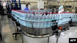 Pamje nga një fabrikë e ujit në Gjilan