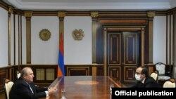 Armenia-President of Armenia Armen Sarkissian meets with Minister of Health Arsen Torosian, 20Mar2020