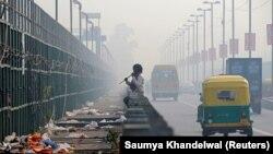 هند، دهلینو - پژوهشگران مجله پزشکی لنست میگویند در کشوری نظیر هند، انواع آلودگیها عامل یک چهارم مرگ و میرهای سالانه است.