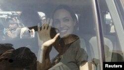 Meşhur aktrisa Angelina Jolie.