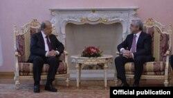 Встреча президента Армении Сержа Саргсяна (справа) с президентом Ливана Мишелем Ауном, Ереван, 22 февраля 2018 г.