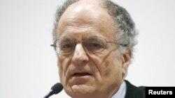 U.S. -- Thomas Sargent, professor of Economics at New York University