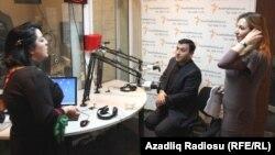 soldan sağa: Proqramın aparıcısı Şahnaz Bəylərqızı, Müşfiq Abbasov və Sevda Babayeva