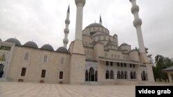 Бишкектеги жаңы салынган мечит