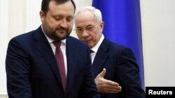 Микола Азаров (праворуч) і Сергій Арбузов
