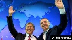 Атамбаев түрк премьери Эрдоган менен.