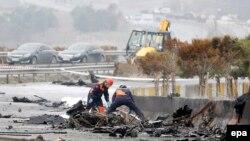 Пожежники на місці аварії вертольота в Стамбулі, 10 березня 2017 року