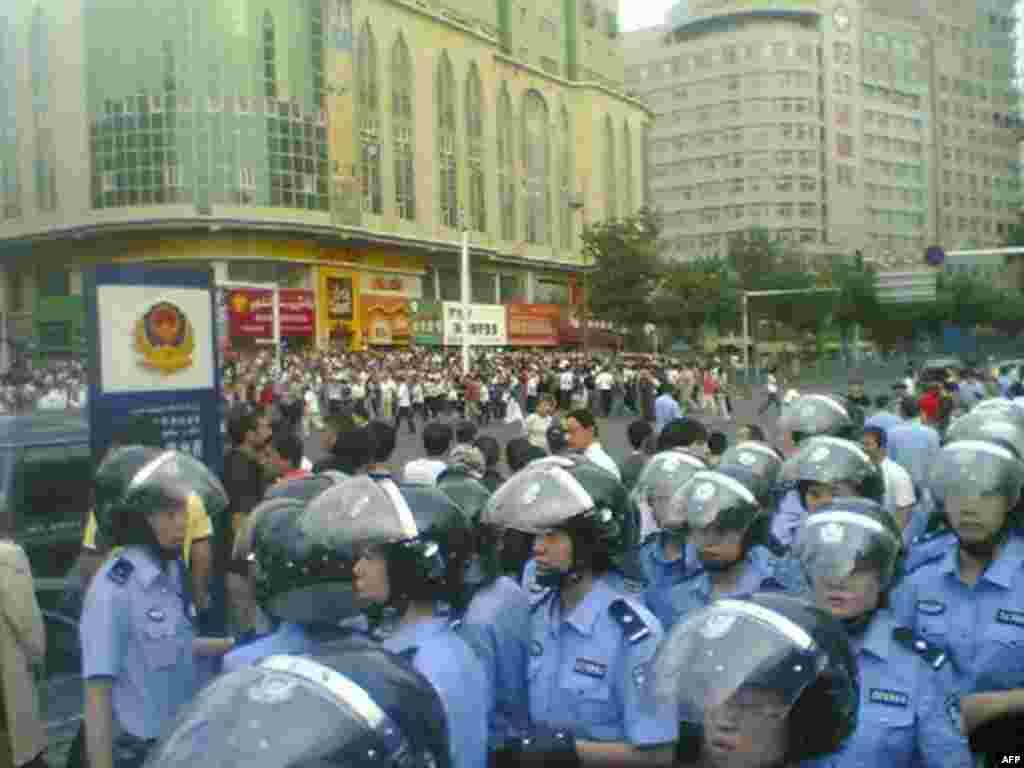 Беспорядки в Урумчи, 2009.