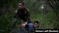 Задержание нарушителей на границе США