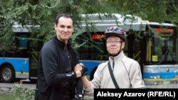Мои сокомандники: Малик из Узбекистана и Ян Лэ (Алексей) из Китая. Алматы, 13 сентября 2015 года.