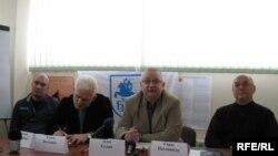 Валентин Стефанович (лево) на конференција