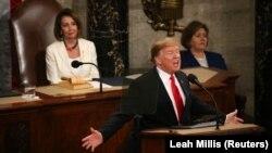 АКШ президенти Дональд Трамп жана Өкүлдөр палатасынын спикери Нэнси Пелоси.