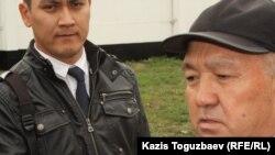 Болат Абдрахманов, отец приговоренного к 17 годам тюрьмы подполковника КНБ Ирлана Абдрахманова. Алматы, 12 апреля 2014 года.