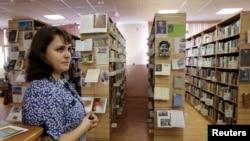 Сотрудник московской Библиотеки украинской литературы Татьяна Мунтян