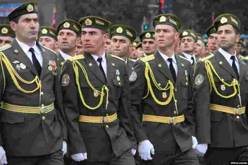 A military parade in Dushanbe to mark the 20th anniversary of Tajikistan's national army.