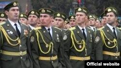 Тажик армиясы, Дүйшөмбү
